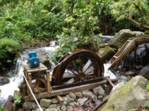 Pembangkit Listrik Tenaga Mikro Hidro (Foto:dok/ovalezoval.blogspot.com)